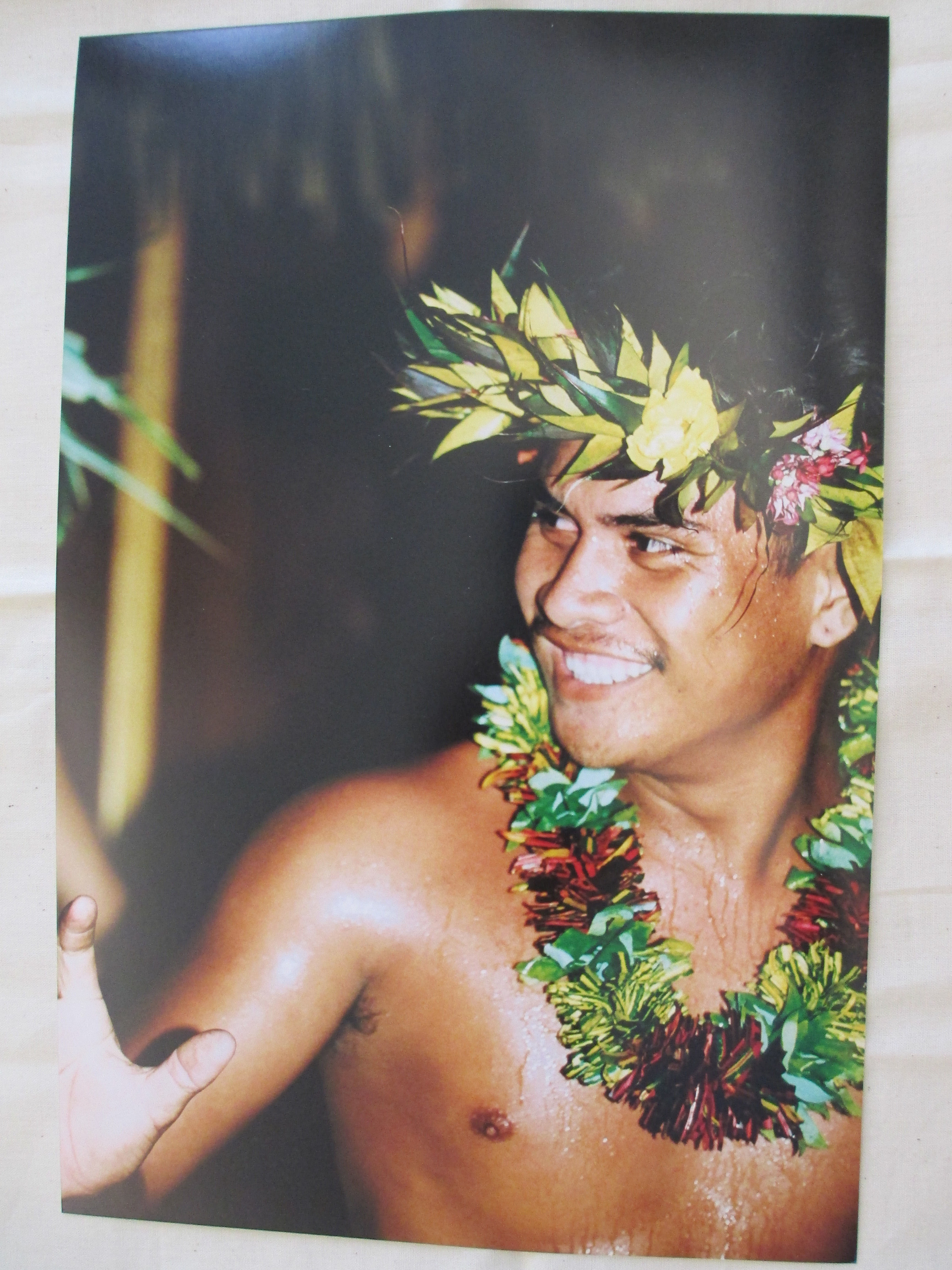 male dancer [tahiti].JPG